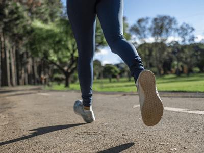 Un running dans un parc sur dijon